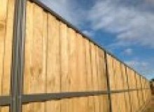 Kwikfynd Lap and Cap Timber Fencing mounteccles